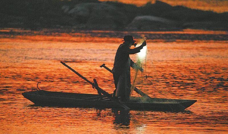 在常年禁渔区钓鱼还阻碍执法 雨城区一男子被治安拘留