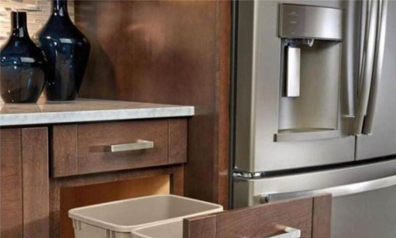去参观朋友新家,厨房竟没垃圾桶?打开方式真有点特别!