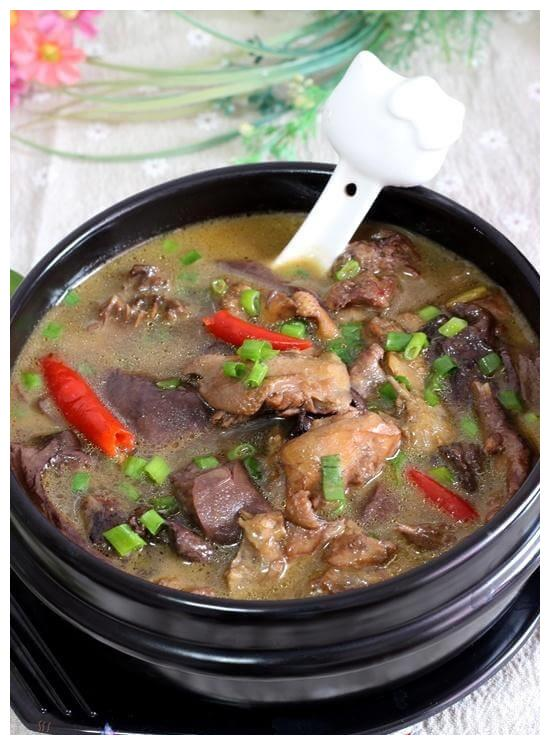 小鸡炖蘑菇,又学一招,比正宗的好吃10倍,汤鲜美肉特别入味