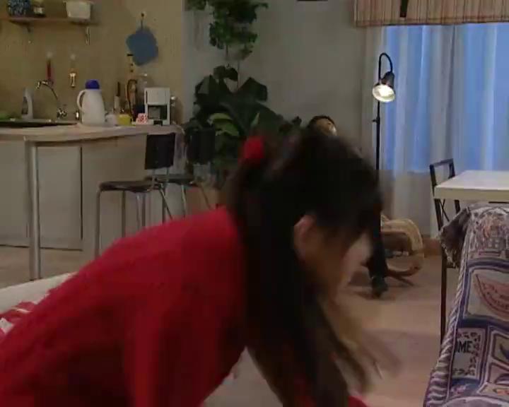 刘梅觉得婷婷奇怪,谁知小雨说了这句话,小雪顿时就慌张起来!