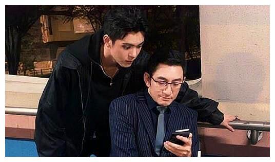 两代张无忌同框!曾舜晞与吴启华合影:研究九阳神功?
