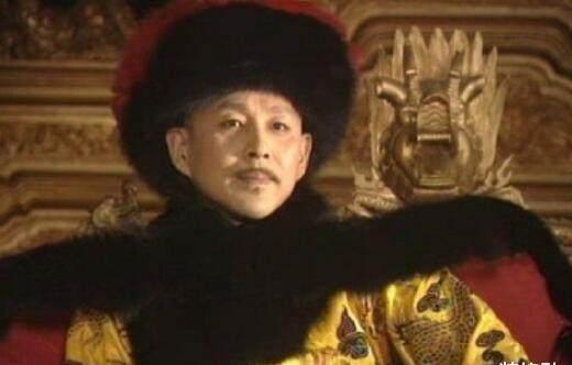 清朝一考生,因试卷没做完急的大哭,皇帝:别哭,朕钦点你为状元