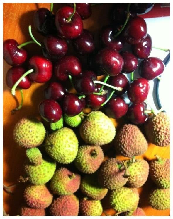 """这水果,常被称""""袖珍版""""樱桃,1元钱一桶,冷冻后价格贵5倍"""