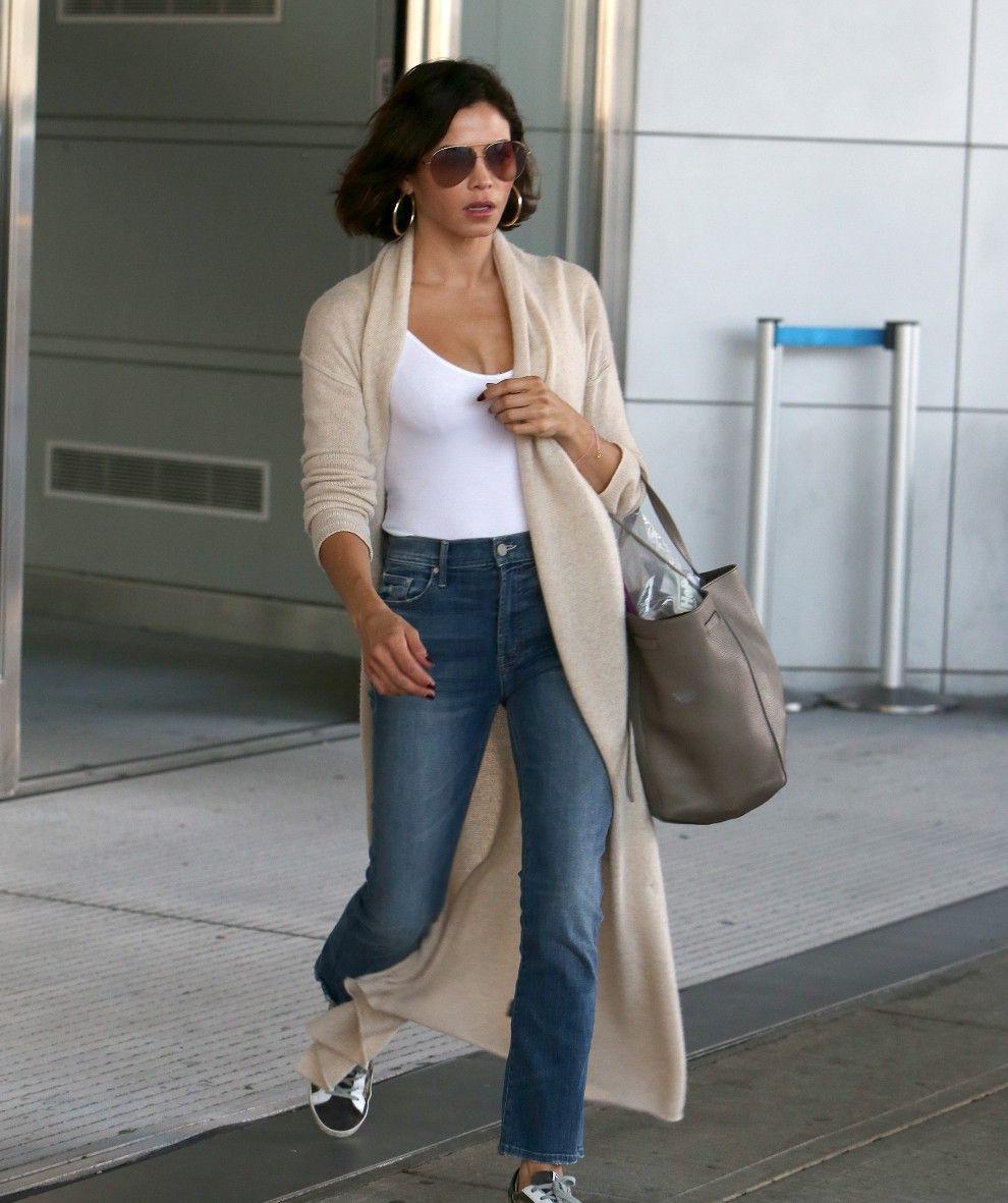 《舞出我人生》女主珍娜·德万现身纽约肯尼迪机场
