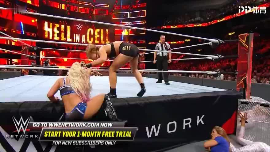 WWE女子冠军赛隆达罗西激战小魔女精彩赛事集锦