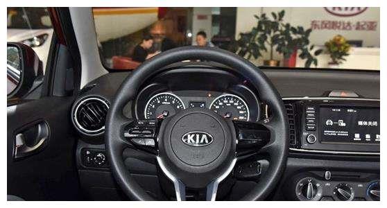 起亚再出高性价比新车,空间比飞度Polo还大,整车油耗仅5.2L