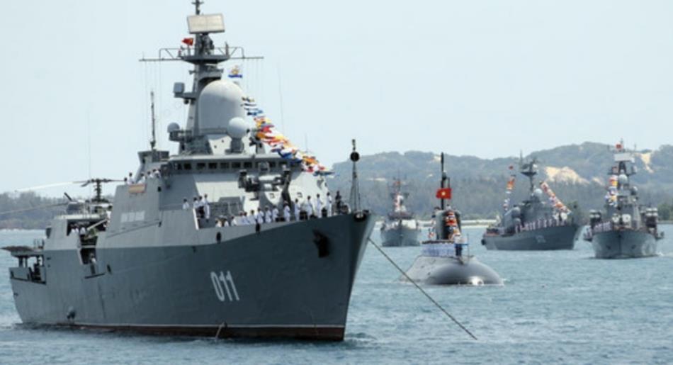 越南准备秀肌肉,不料潜艇刚出港就传来噩耗,军方高层沉默不语