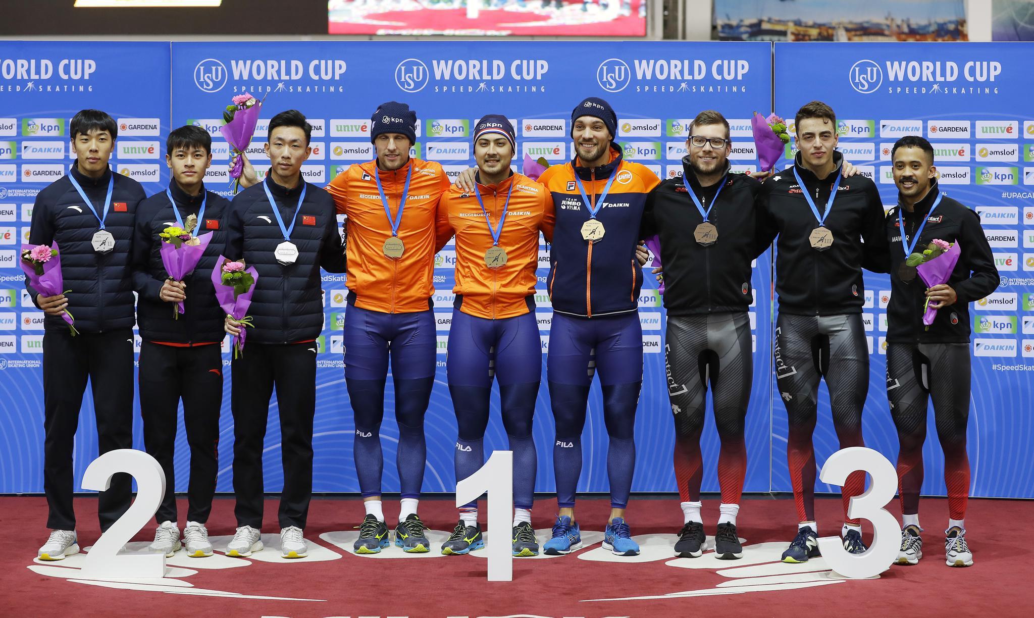 速度滑冰——世界杯明斯克站:中国队获男子团体竞速亚军