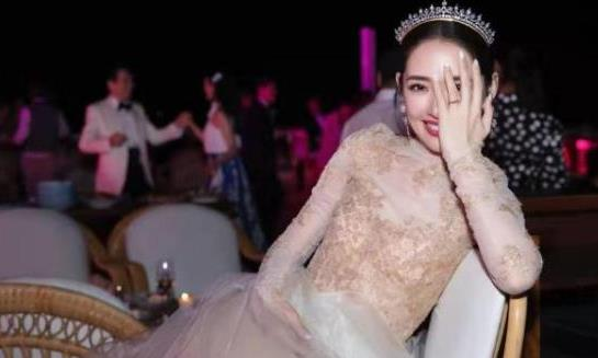"""郭碧婷婚礼是""""最孤单亲友团""""?婚礼盛大,却不见妈妈和妹妹"""