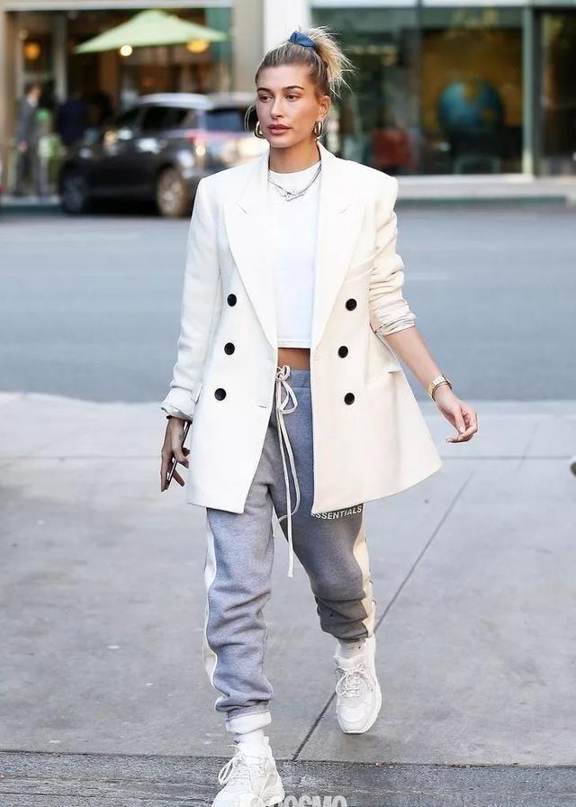 时髦办|郑秀妍的白色西装,我知道什么是神仙搭配了