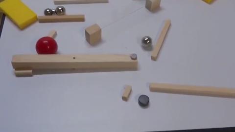日本宅男用一个月时间设计出的减压玩具,大家说是不是很好玩