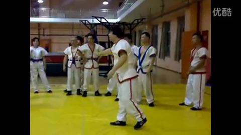 中国式摔跤技法大全(72种摔法)贴身靠
