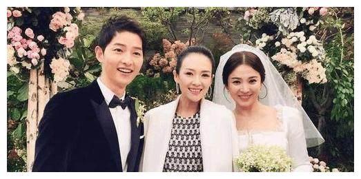 章子怡现身双宋婚礼现场,气质碾压所有韩星