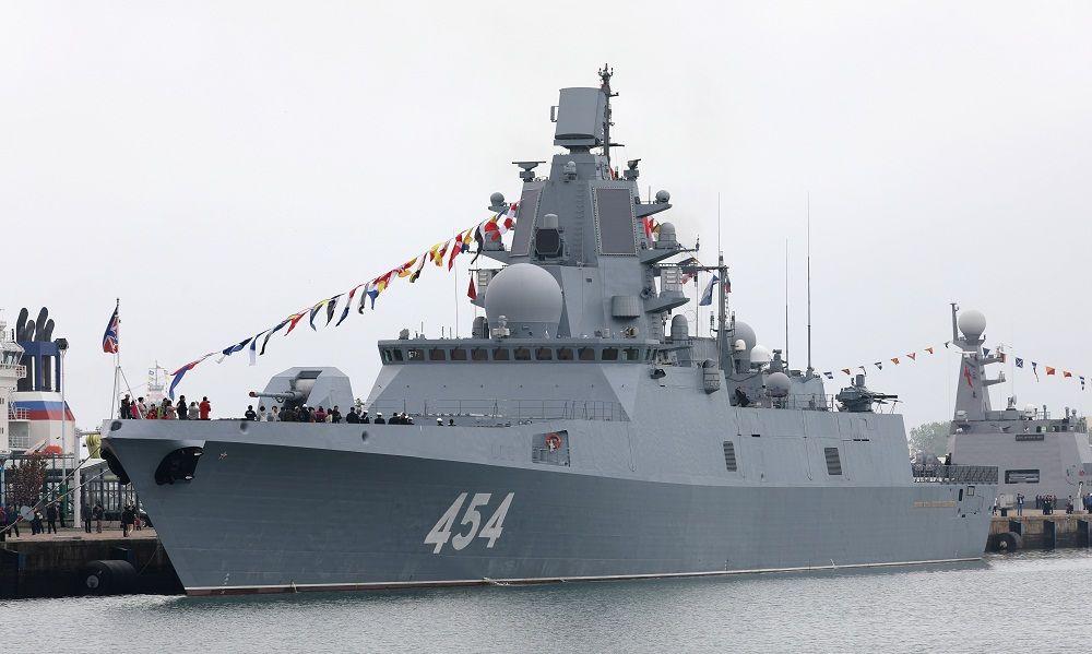 """零距离观看俄罗斯海军""""戈尔什科夫海军元帅""""号护卫舰"""