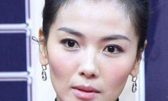 当明星离开了滤镜,刘涛秒变路人,关晓彤这脸是怎么了?