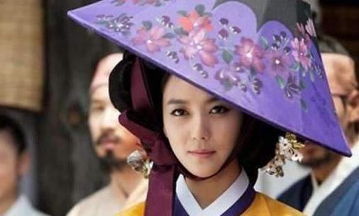朱元璋攻陷元朝后,抓获了后宫上千位女子,处置方法让大臣很无奈