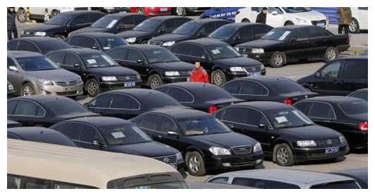 为什么二手市场有很多没开多久的新车?二手贩子说出大实话!