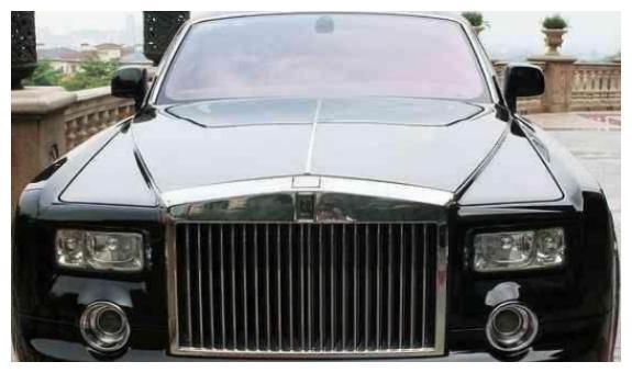 恒大老总许家印个人财富2900亿,偏爱劳斯莱斯,车牌号码意义非凡