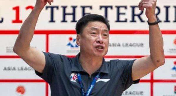 李春江缺席浙江广厦比赛引发猜测 真去中国男篮替代李楠了?