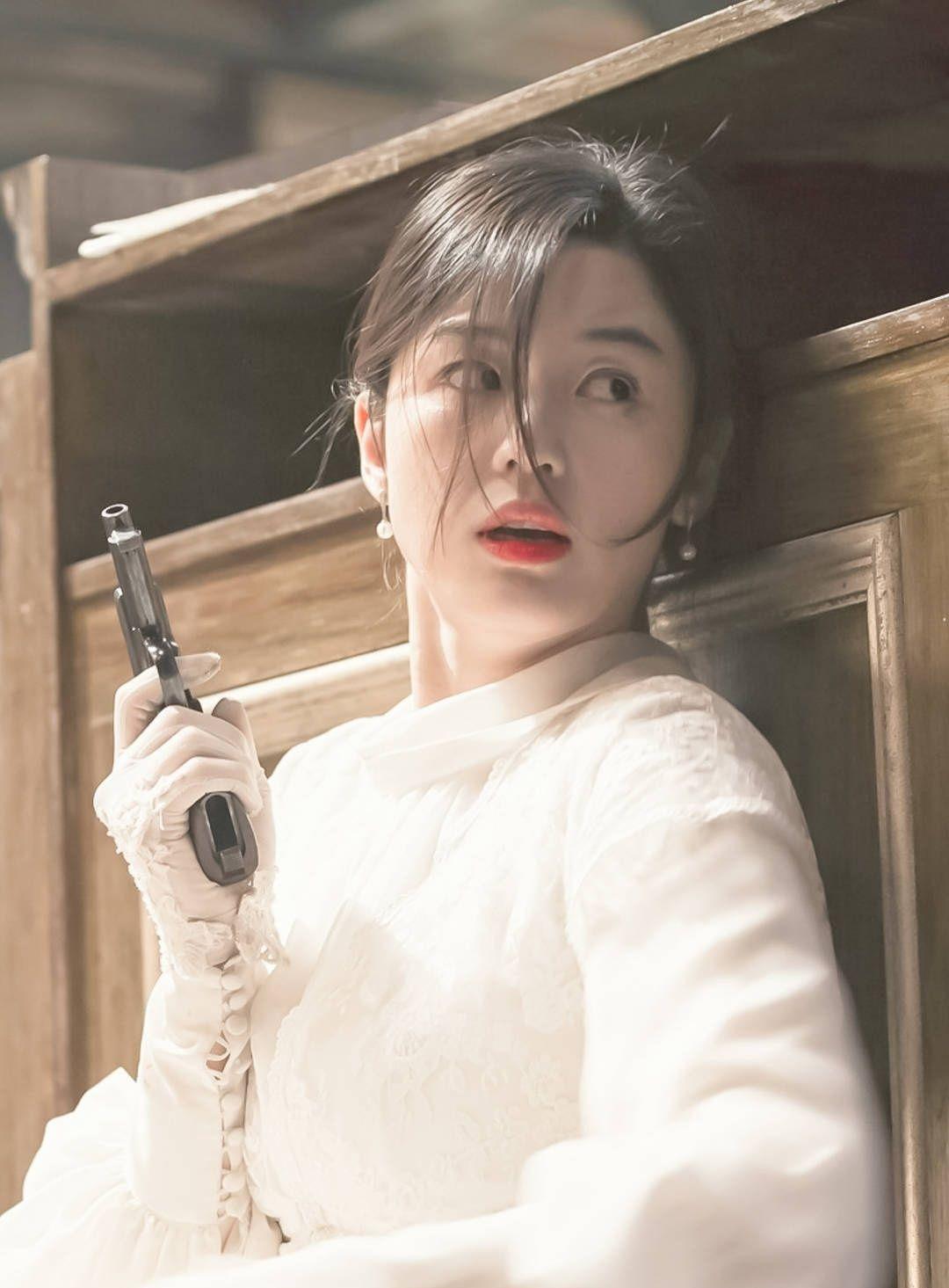 全智贤的爱人崔俊赫,辞去了银行高层一职欲参与家族事业