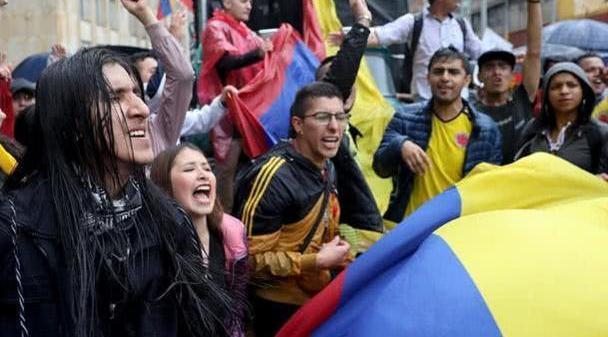 又一拉美国家上演大规模抗议,哥伦比亚民众反对国家发展新计划