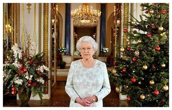 没有驾驶证开车77年,有司机不用,93岁高龄驾驶路虎外出,英女王