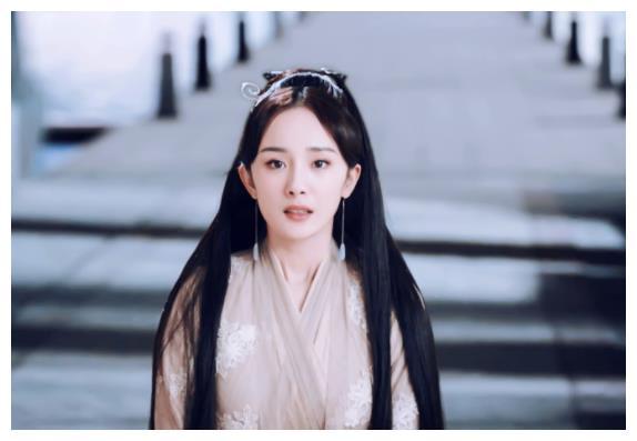 当得知杨幂和刘恺威离婚,女儿只说了8个字,让爷爷刘丹泣不成声