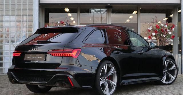 全新纯黑色的奥迪RS6