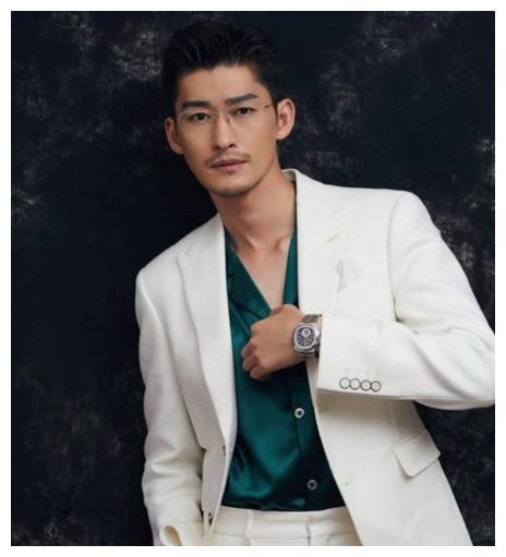 上海电影节大叔造型,钟汉良击败张翰,46岁苏有朋最减龄