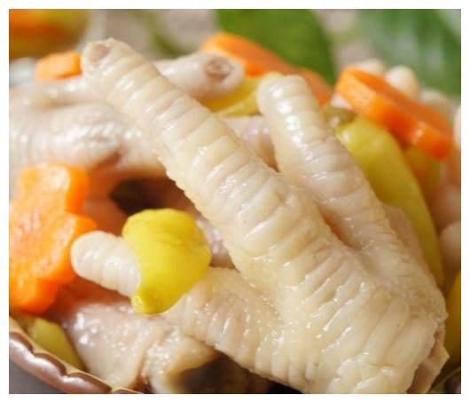 泡椒凤爪在家也可以做,像这样做简单又好吃,不用超市买了!