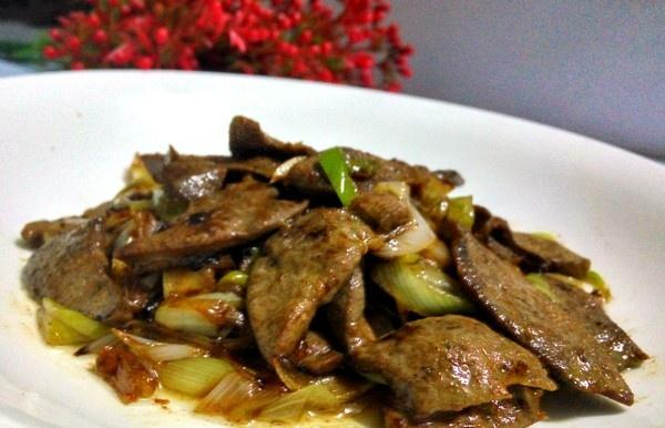 炒猪肝时要记住,万万不能直接下锅,多做这一步,又香又嫩无腥味