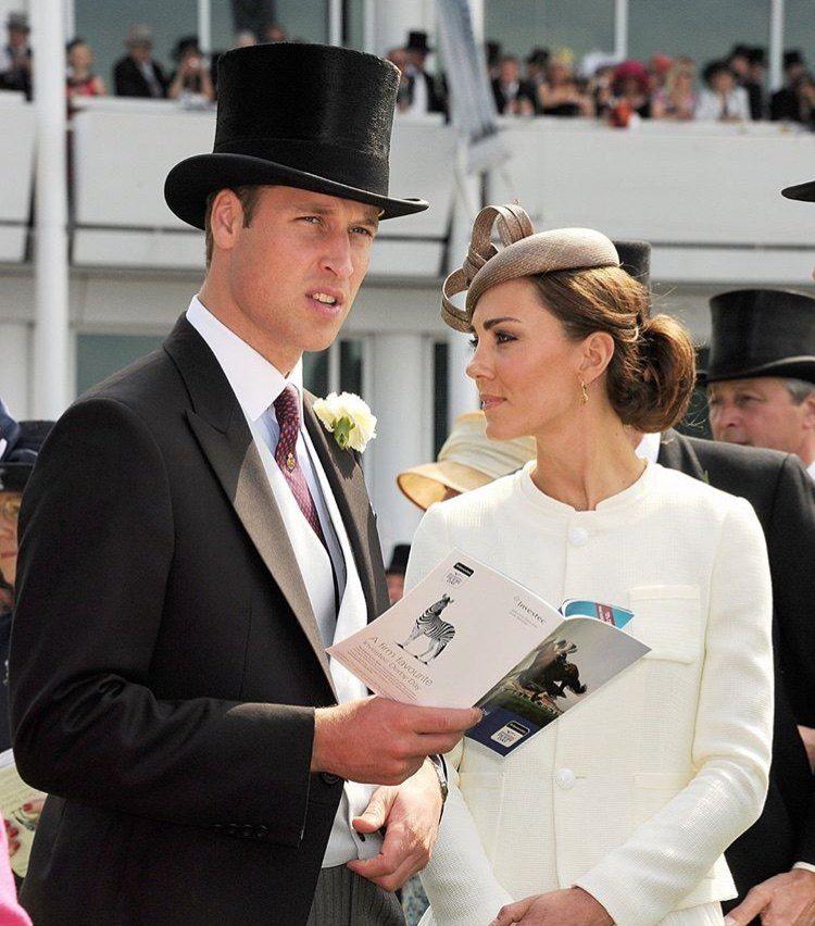 凯特王妃嫁入皇室7年,威廉王子的发量和孩子的数量成反比!