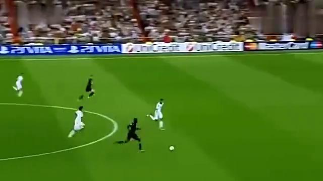 C罗90分钟的读秒绝杀, 穆里尼奥激动到用滑跪来庆祝