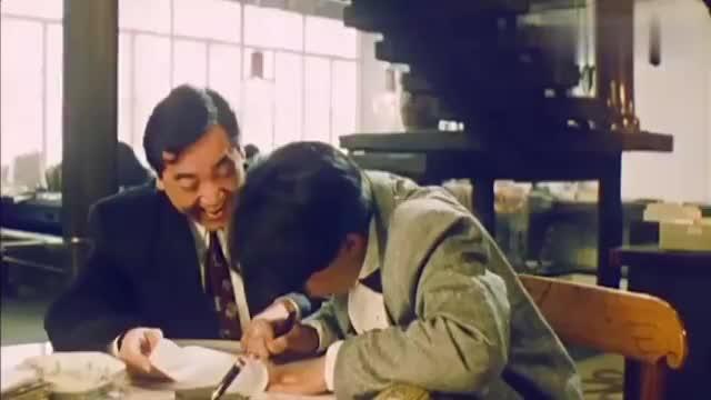 魔画情:阿伟跟公司签了约,青青在背后帮忙,他成为了当红漫画家
