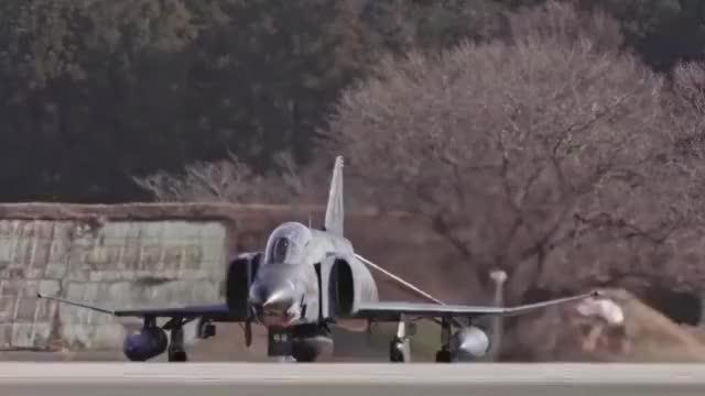 日本航空自卫队即将退役的F-4战机