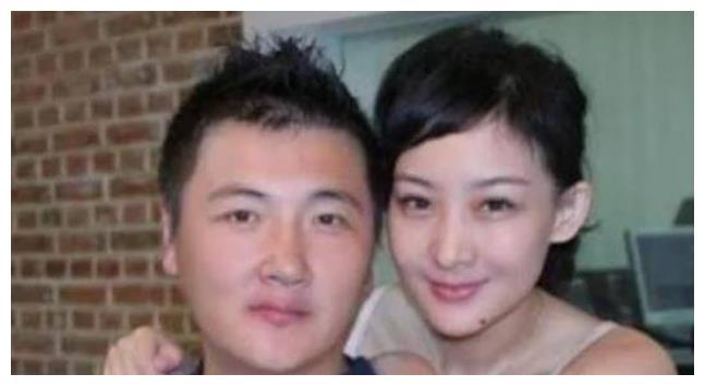 与天王一见钟情24小时闪婚,结婚9年被离婚,今48岁再获幸福