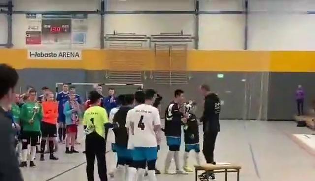 徐州健儿双杀沙尔克04,点杀热刺和柏林联合,捧得德国的冠军杯!
