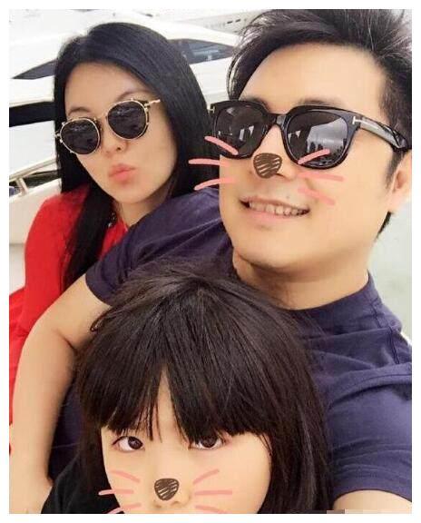 嫁给导演的6位女星,李湘生活幸福,只有她结婚10年不同房?