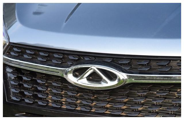 奇瑞十分卖力,6.59万起的小型SUV,对标CS15的目标相当明确