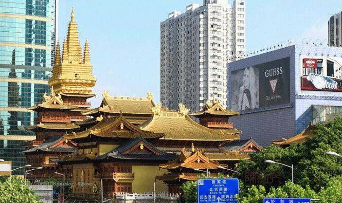 上海静安寺:愿祈佛手双垂下,摩得人心一样平