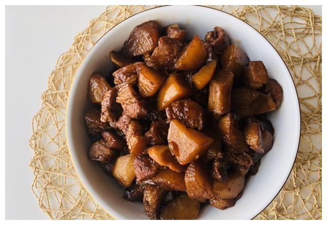 猪肉和这2种食材是绝配,简单4步搞定吃不腻的下饭菜,好吃还过瘾