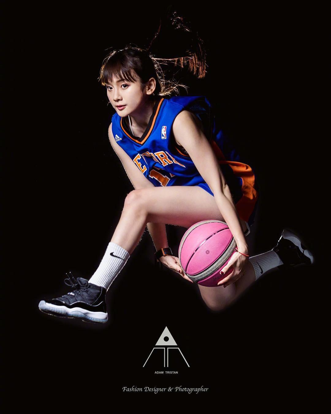 这才是中国球迷喜欢的女神类型,太清纯可爱了,秒杀卡戴珊!
