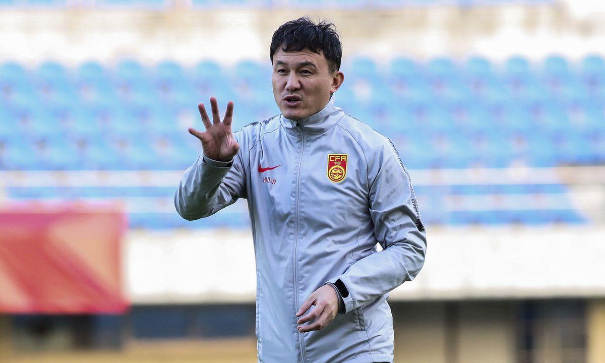 张玉宁领衔中国男足U22备战珠海四国赛,郝伟大秀脚法高洪波督战