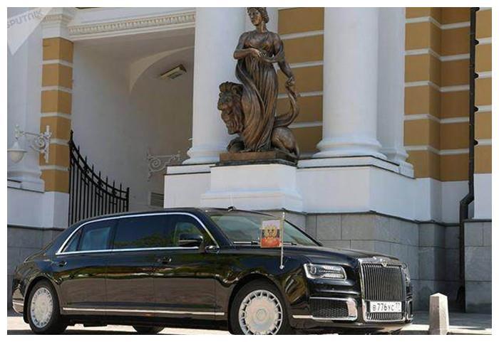 各国的国宾车:中国是红旗,日本是丰田世纪,俄罗斯的国宾车是?