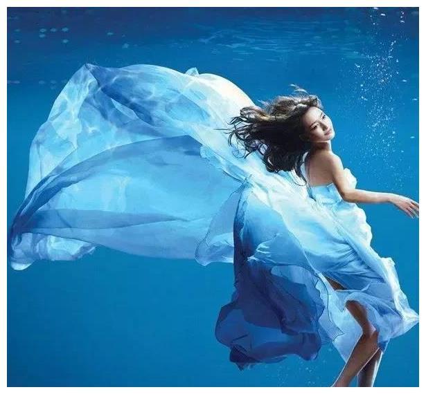 趣味测试:哪一个水下照片最唯美?测你在为工作透支健康吗?