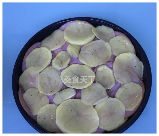 非常简单好做的火腿芝士烤土豆,味道棒棒哒,出炉就被抢光了
