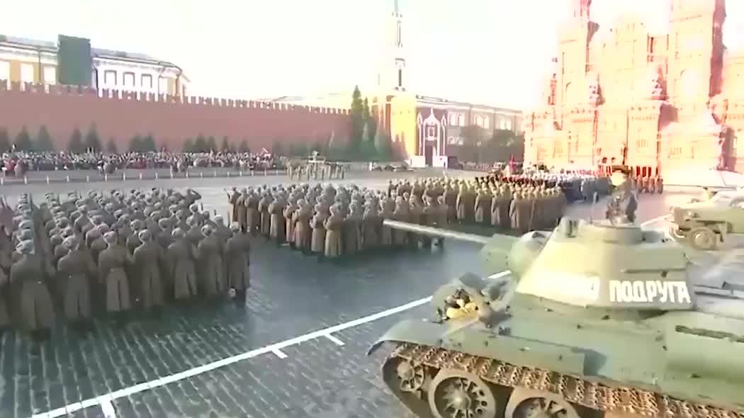 俄罗斯历史性的一次大阅兵,受阅部队重现当年苏联雄风!