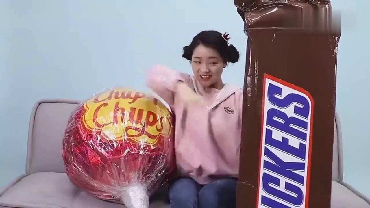 《小伶玩具》妮妮为你介绍巧克力糖果食玩!