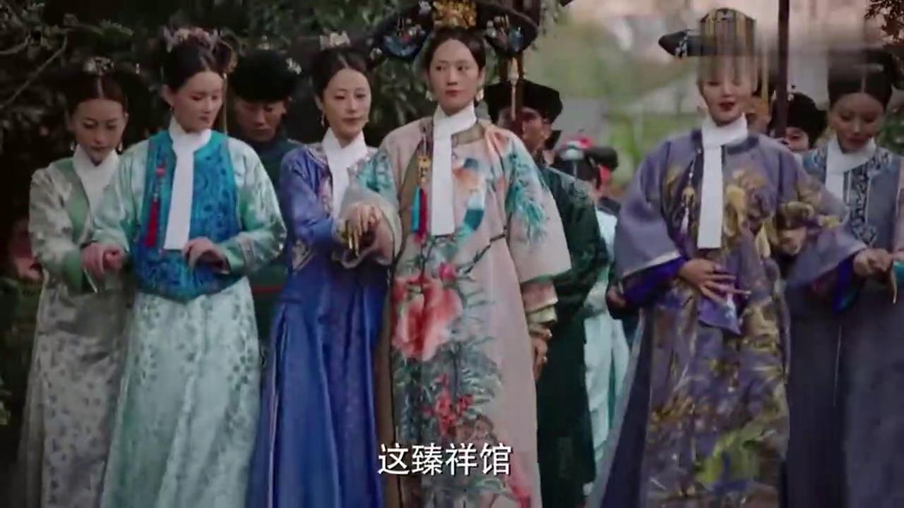 如懿传:贵妃等人散步遇到给冷宫送饭菜的太监,阿箬:吃得挺好啊
