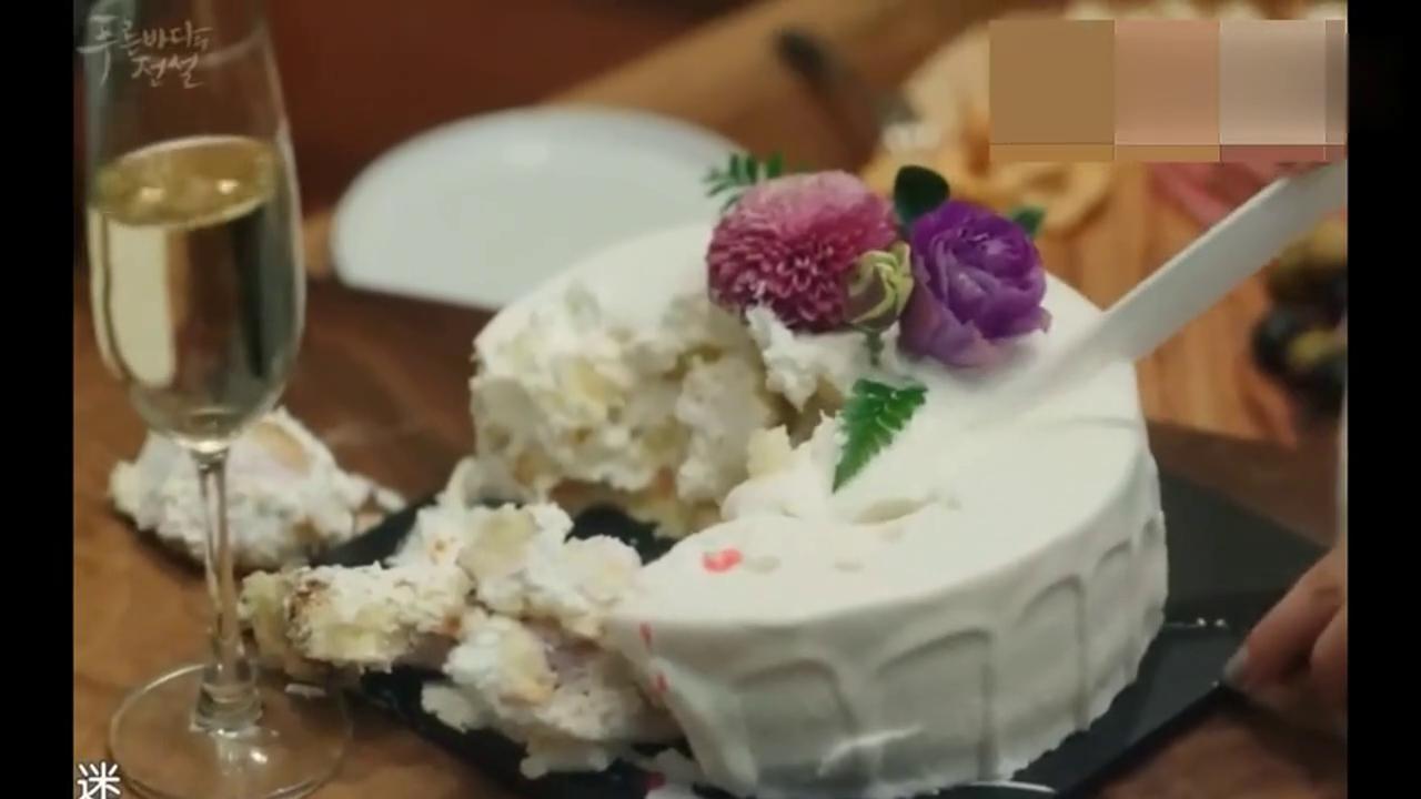 情敌带了蛋糕给李敏镐过生日,人鱼全智贤的表现让她抓狂